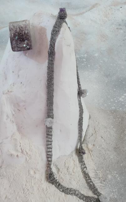 La collana di Arielle de Pinto e Lars Paschke