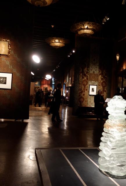 Palazzo Fortuny, l'atmosfera delle sale del piano nobile dove è allestita la mostra