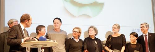 I vincitori con la giuria e gli organizzatori. Bodemer e Passama sono le ultime due donne a destra.